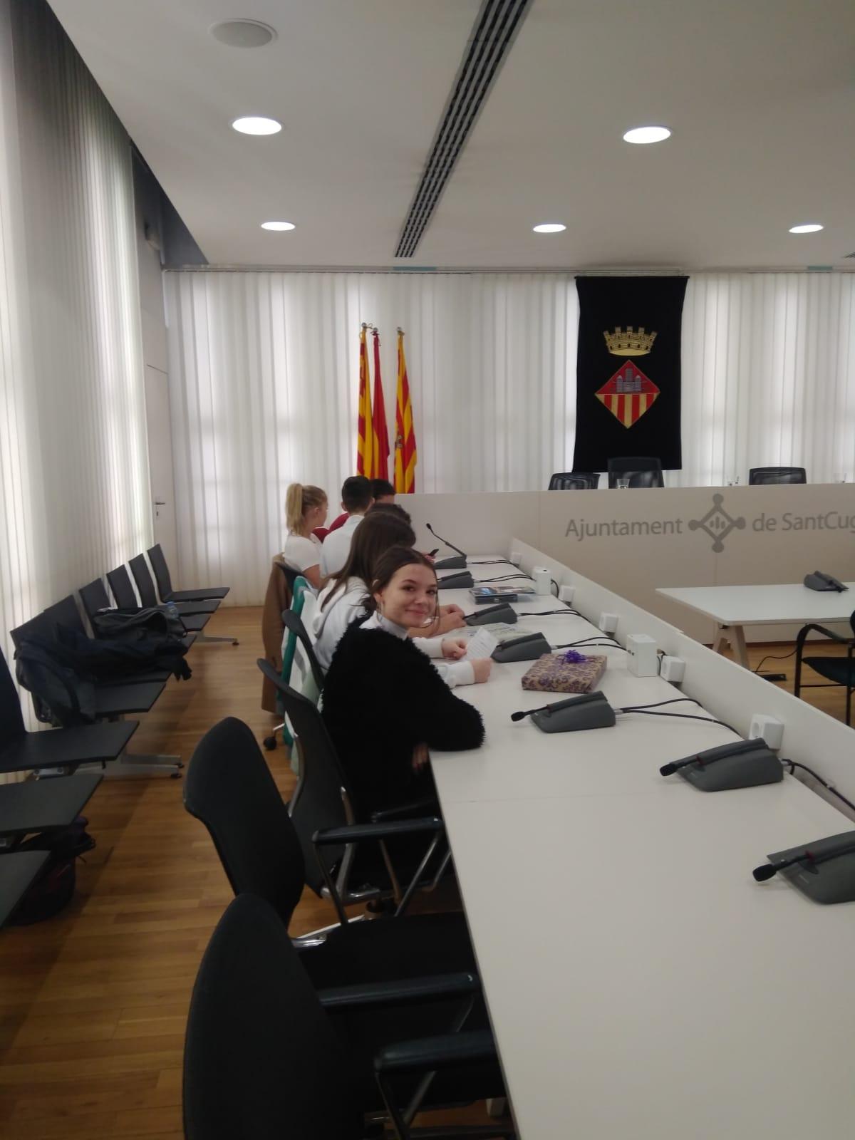 ARCH Violeta Mujdar a vorbit despre Colegiului de Arte Arad la primaria din Sant Cugat del Vallès
